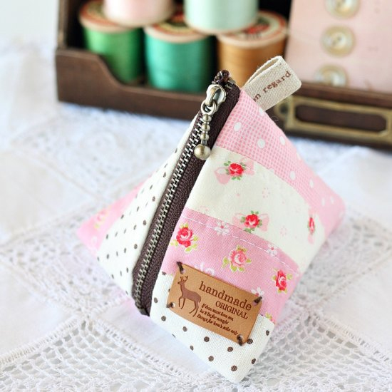 How To Profit From A Home Sewing Business: 15 Easy Craft Items To Make And Sell For Profit