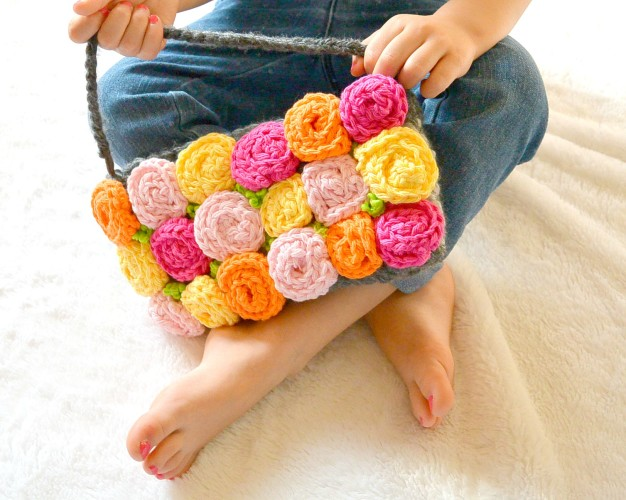 roses crochet purse