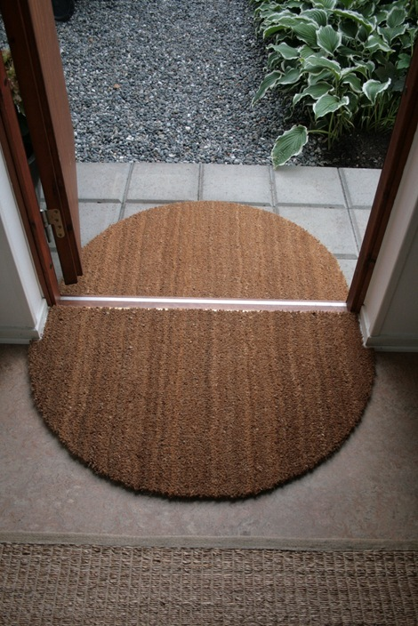 Foyer Door Mats : Diy entryway decor and storage ideas
