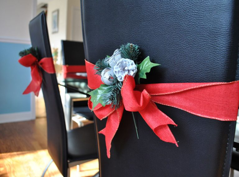Easy Christmas Ribbon Decoration