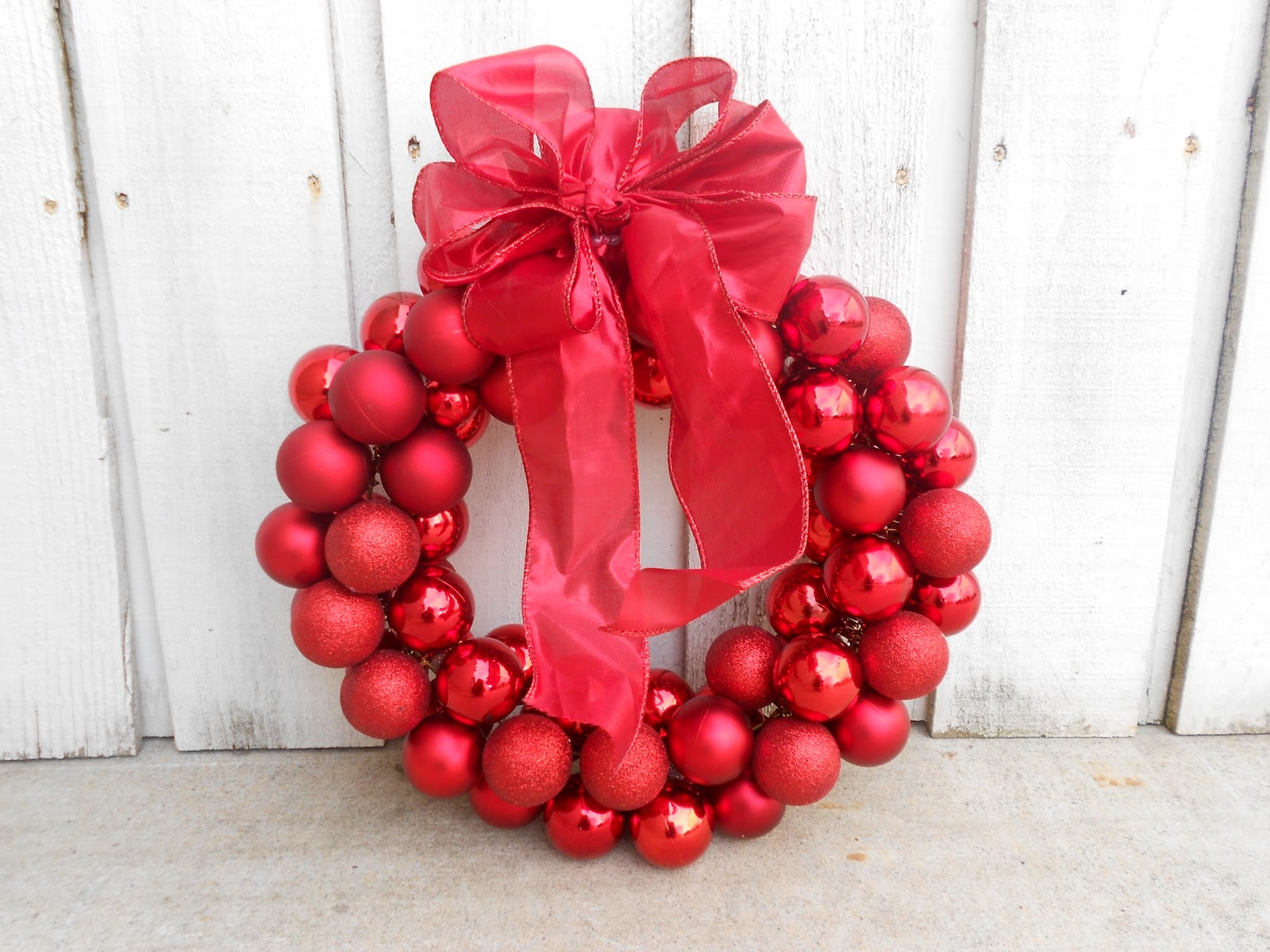 30 Amazing Dollar Tree Christmas Decor Ideas