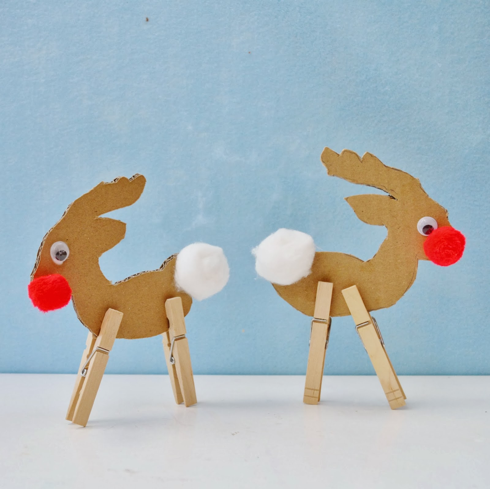 cardboard and clothespin Rudolphs