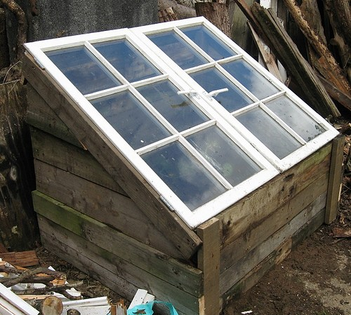 Cold Frame From Old Pallets and Windows