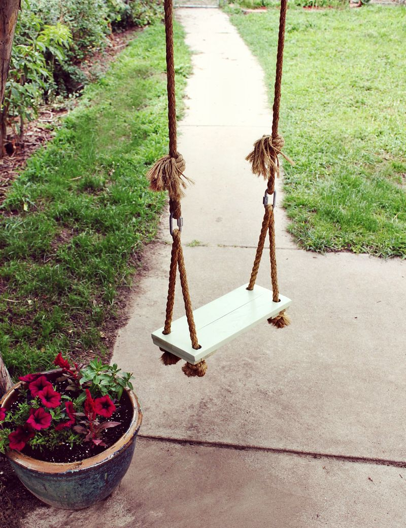 Simple and Fun Wooden Tree Swing