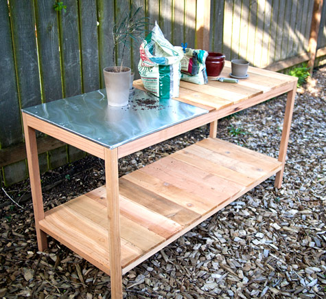Potting Table with a Metal Surface