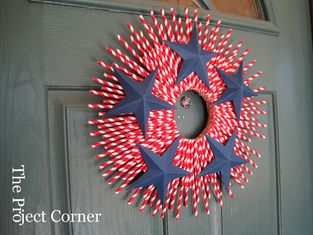 Straw-Striped Wreath